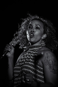 DA099,DB,Soul singer
