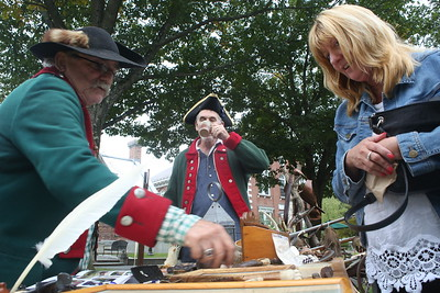 B20A9448WES HENNIG 1777 RE-ENACTMENT OF INDEPENDANCE SHOWING SUSAN KROYAK CIVIL WAR PIECES(GLORIA TOWNE PHOTO) - Copy