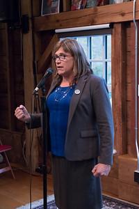 shumskis02-Gubernatorial_candidate_Christine_Hallquist