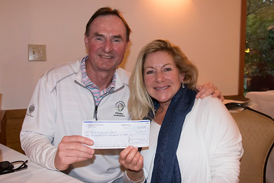 shumskis08-Mark_and_Bernadette_DeVoe_of_Naples_FL_with_their_grand_prize_check