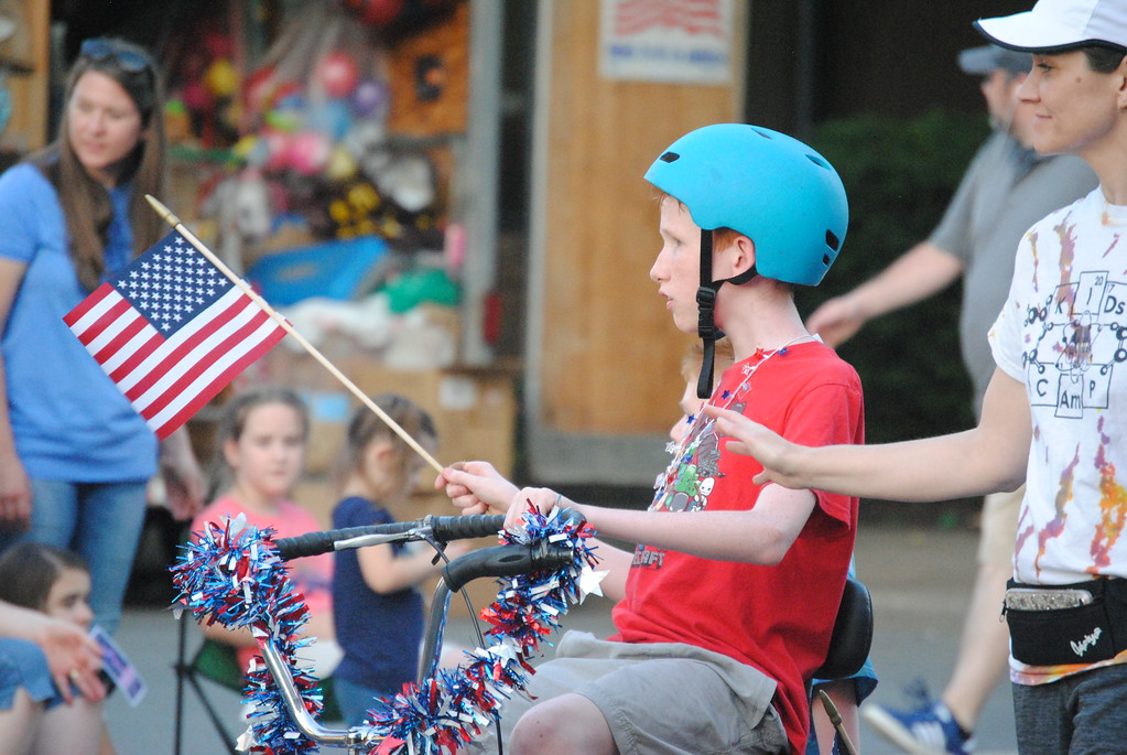 . Leah McDonald - Oneida Daily Dispatch The city of Oneida holds a Memorial Day ceremony and parade on Friday, May 25, 2018.