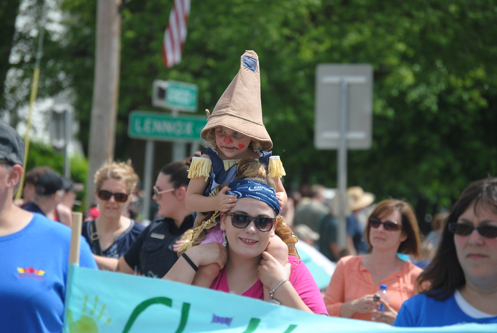 . Leah McDonald - Oneida Daily Dispatch The village of Chittenango holds the Oz-Stravaganza! Parade on Saturday, June 2, 2018.