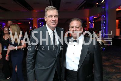 Sen. Mark Warner, Raul Fernandez. Photo by Tony Powell. 2018 Fight Night. Washington Hilton. November 1, 2018