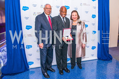 General Colin Powell, Wintley Phipps , Alma Powell. Photo by Alfredo Flores. Promise Night. Newseum. April 18, 2018.