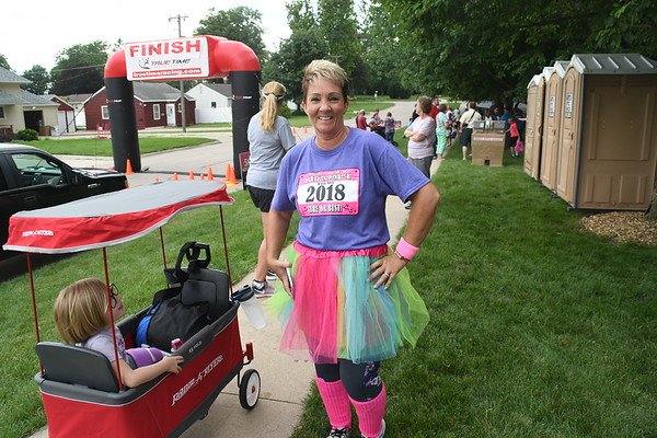2018 Party in the Park, Vinton, Iowa, Party in Pink