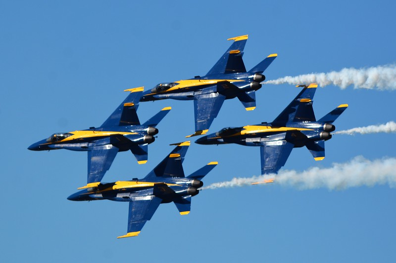 Now the moment you've been waiting for.  My final set of photos.  The United States Navy Blue Angels!!!