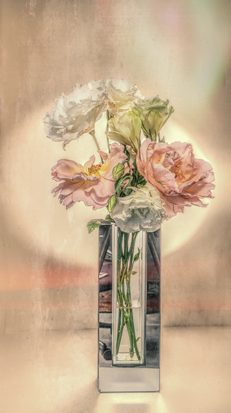 09-05-18 Lisianthus & Rose Bouquet