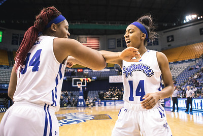 Indiana State takes the Evansville Aces on Friday, January 5, 2017 at the Hulman Center in Terre Haute, Indiana.