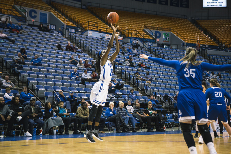 Indiana State takes the Drake Bulldogs on Sunday, February 11, 2018 at the Hulman Center in Terre Haute, Indiana.