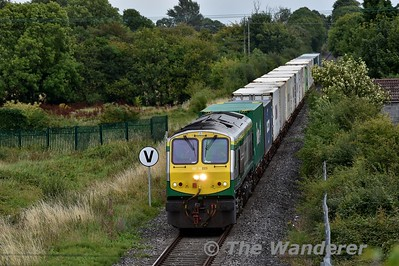 223 approaches Tullamore with a fully loaded 0935 North Wall - Ballina IWT Liner. Tues 14.08.18