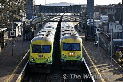 MKIV Sets 4008 and 4006 at Thurles. 4008 was on a trial with loco 219 and 4006 was working the 1425 Cork - Heuston with 218. Tues 14.02.18