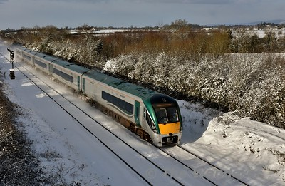 "22032 arrives into Portlaoise with the 0740 Limerick - Heuston. The first big snow fall from the ""Beast from the East"" occured during the night. Wed 28.03.18"