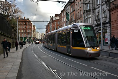 5016 heads along Grafton Street with a Broombridge bound service. Tues 27.02.18