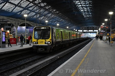 29027 + 29023 arrive into Pearse Platform 1 with the delayed 1647 empty from Connolly. The set would form the 1715 to Dundalk. Sat17.02.18