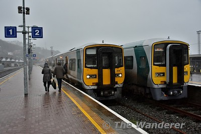 2615 + 2606 waits to depart at 1600 to Cobh. 2603 + 2604 will follow them to Cobh at 1630. From 1600 to 1900 a 30 minute interval service operates between Cork and Cobh. Tues 02.01.18