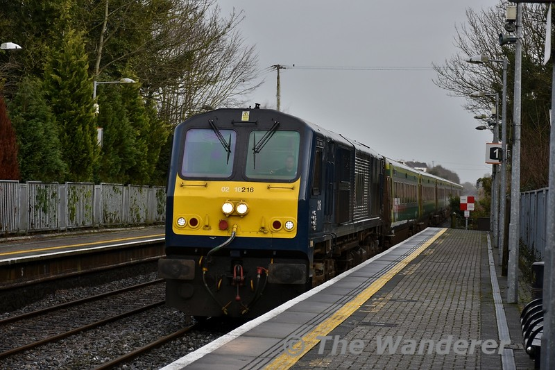 We kick off the 2018 season of photographs with the Belmond Grand Hibernian liveried 216 arriving into Portlaoise with the 1100 Heuston - Cork service. Tues 02.01.18