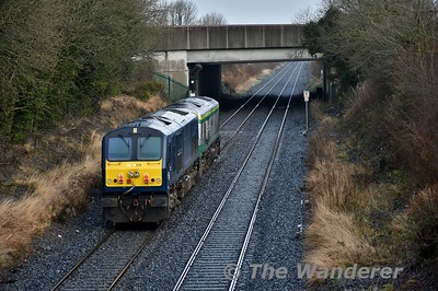 219 + 216 are pictured at Clonkeen with the 0955 Cork - Inchicore L.E. transfer. 216 had been failed in Mallow the previous night. Wed 03.01.18