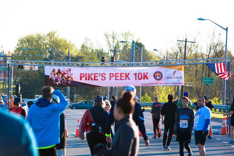 Pike's Peek 10K 2018 - Photo by Dan Reichmann, MCRRC