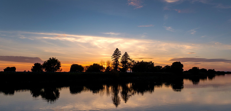 sunset on the Sacramento River