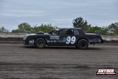 5/18/18  Big Diamond Speedway ( USAC East Coast Wingless Sprints)
