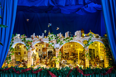One signature of Christmas in Rome is the vast number of crèche, Nativity scenes, or precepe in Italian. They are always elaborate and often animated.