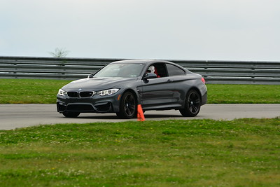 2018 SCCA TNIA Pitt Race Knoi Novice BMW-6