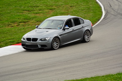2018 SCCA TNIA Pitt Race Knoi Novice BMW-3