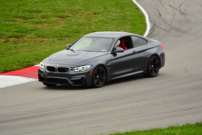 2018 SCCA TNIA Pitt Race Knoi Novice BMW-5