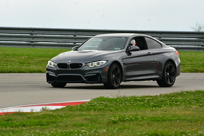 2018 SCCA TNIA Pitt Race Knoi Novice BMW-13