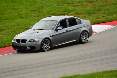 2018 SCCA TNIA Pitt Race Knoi Novice BMW-4
