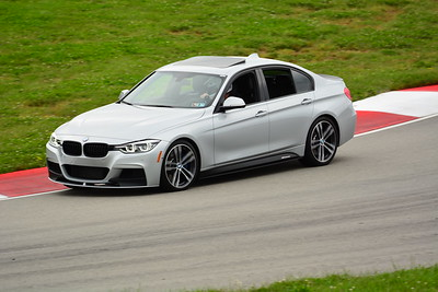 2018 SCCA TNIA Pitt Race Knoi Novice BMW-2
