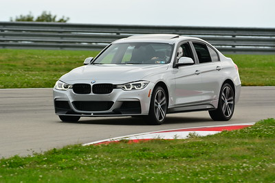 2018 SCCA TNIA Pitt Race Knoi Novice BMW-9