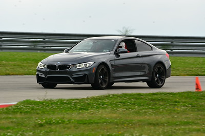 2018 SCCA TNIA Pitt Race Knoi Novice BMW-12