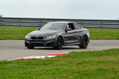 2018 SCCA TNIA Pitt Race Knoi Novice BMW-7