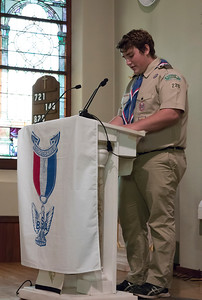 shumskis04-Eagle_Scout_Tyler_Chynoweth_reads_a_poem_titled_The_Eagle