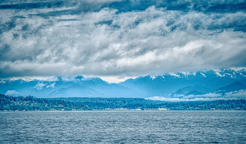 puget sound and plympic mountains in washington state