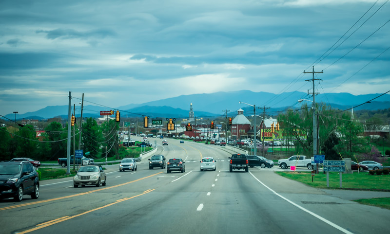 driving toward sevierville tennessee town in smoky mountains
