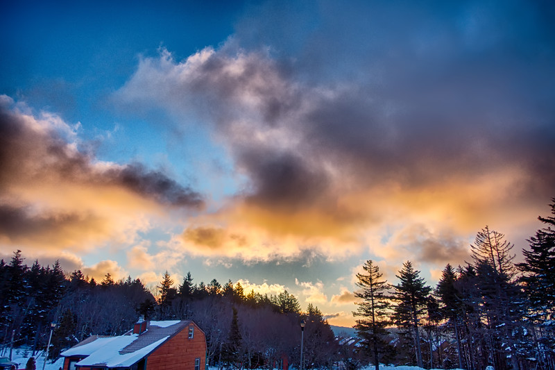 beautiful sunrise over horizon on snowshoe mountain west virginia