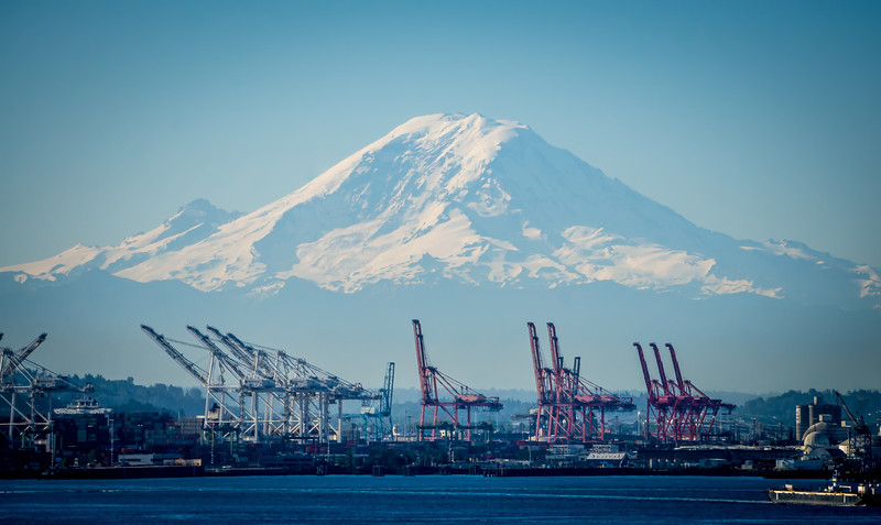 Seattle harbour and Mount Rainier