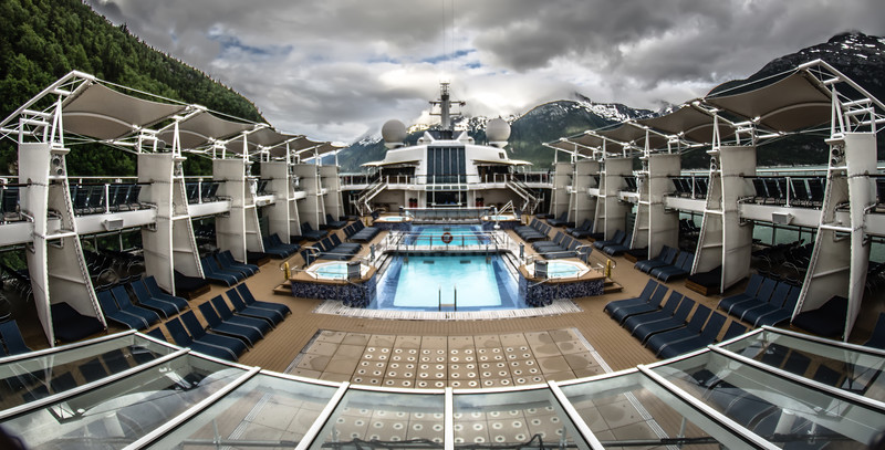 beautiful Alaskan cruise ship scenery