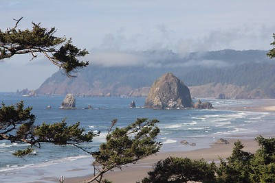 Haystack Rocks at Cannon Beach on Hwy 101