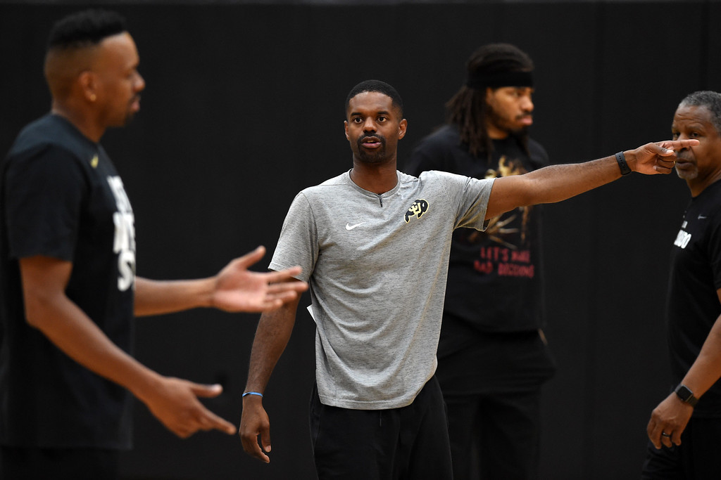 . Dwight Thorne II, right, is coaching the TBT Colorado team. The 2018 TBT Colorado team was practicing at the CU Events Center on Friday. For more photos, go to buffzone.com. Cliff Grassmick  Staff Photographer  June 29, 2018