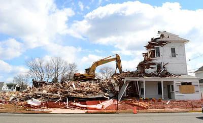 The demolition of the Norwood Inn in Avon By The Sea, NJ on 3/16/18. [DANIELLA HEMINGHAUS | THE COAST STAR]