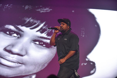 DETROIT, MI - SEPTEMBER 29: The Takeover Tour featuring Ice Cube, Too Short, and Juvenile at The Fox Theater on Saturday, September 29, 2018, in Detroit, MI, USA. (Photo by: Aaron J. / RedCarpetImages.net)