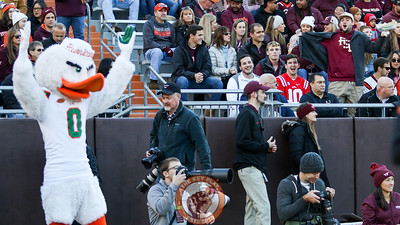 Sebastian the Ibis ignores a Florida State fan in the South Endzone during the second quarter. (Mark Umansky/TheKeyPlay.com)