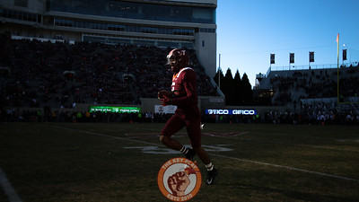 DB Bryce Watts runs during warmups before the game. (Mark Umansky/TheKeyPlay.com)