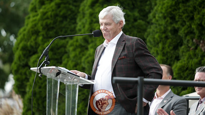 Former Virginia Tech head coach Frank Beamer speaks at a ceremony unveiling a statue of himself honoring his induction into the college football hall of fame. (Mark Umansky/TheKeyPlay.com)