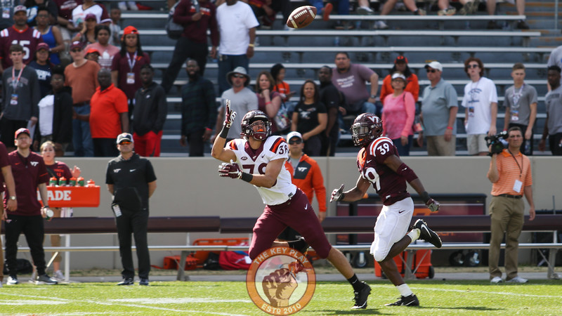 WR Kaleb Smith makes a diving catch on the last play of the spring game. (Mark Umansky/TheKeyPlay.com)