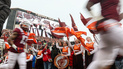 The Hokies take the field to Enter Sandman. (Mark Umansky/TheKeyPlay.com)