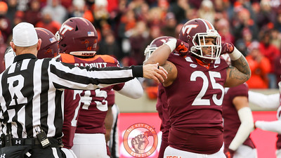 DL Ricky Walker flexes after a defensive stop in the first quarter. (Mark Umansky/TheKeyPlay.com)